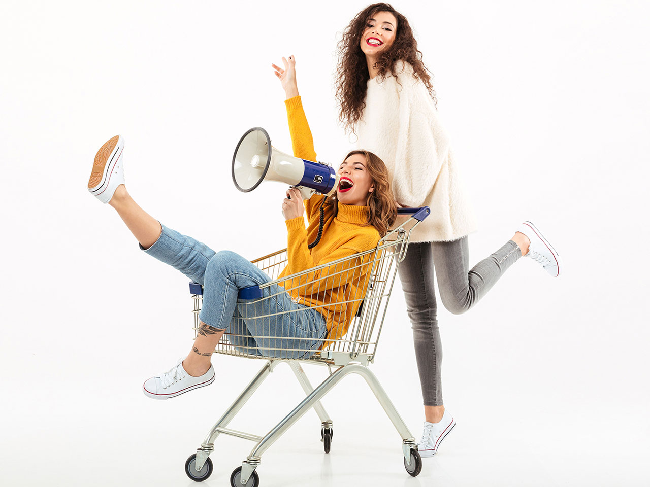 girls-in-a-cart